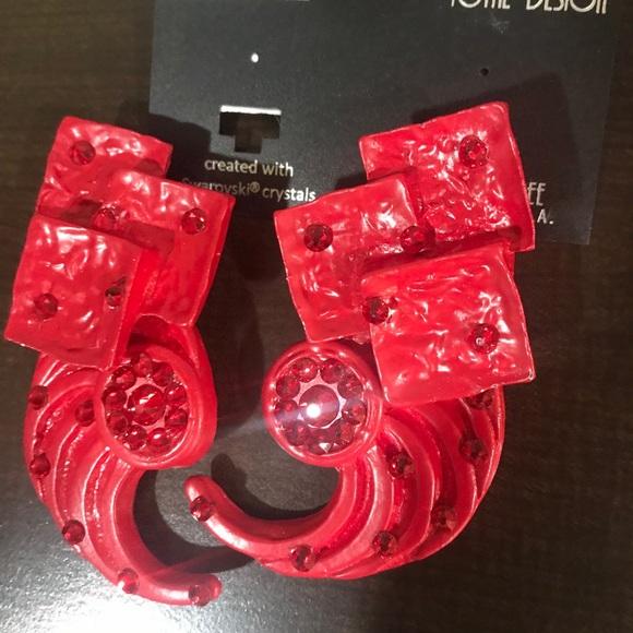 "Jeff Lieb  hot red clip on uniquely designed 2.5"""